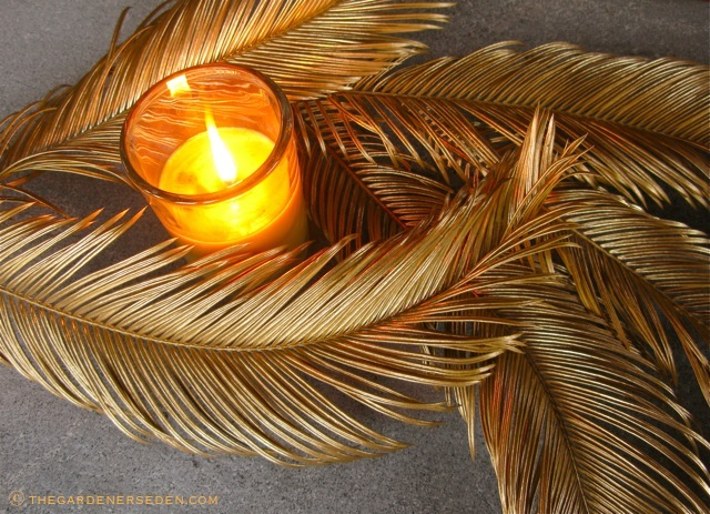 Gilded-Sago-Palm-Leaves-with-Candle-ⓒ-Michaela-at-TGE